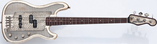 Bass Professor 4/2009 Test: JAMES TRUSSART Steelcaster