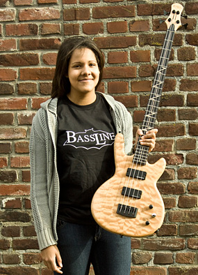 Bass Professor 1/2013: Lady on bass. Shanice