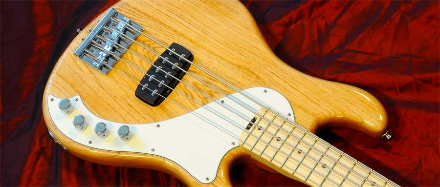 Bass Professor 5/2013, Test: Fender American Deluxe Dimension Bass V