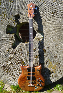 BassMuseum: Alembic Series I Short Scale LEDs Graphite Neck 1981