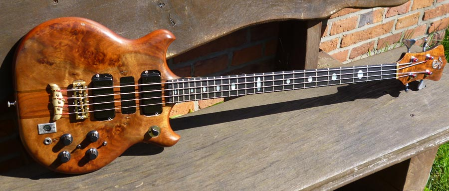 Bass Professor, BassMuseum: Alembic Series I Short Scale LEDs Graphite Neck 1981