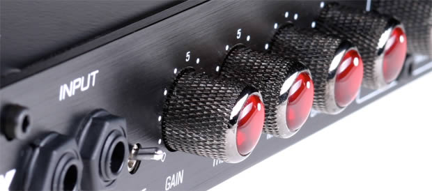 Bass Professor 5/2011, Test: BMax Bass Preamp