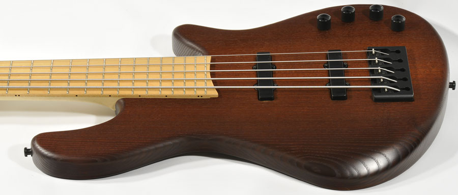 Bass Professor, Test: Franz Bassguitars Merak 5