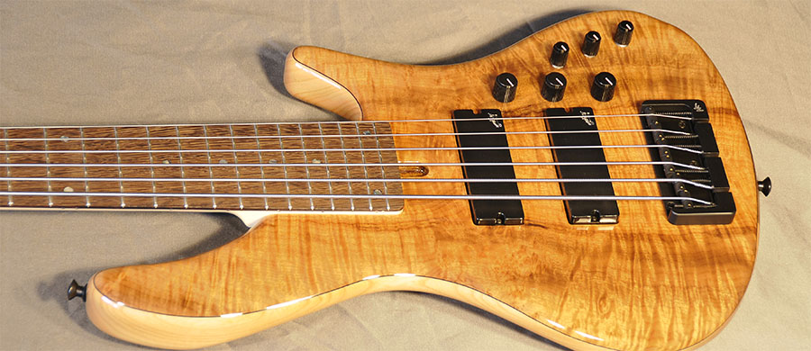 Bass Professor 3/2016, Test: Tino Tedesco 6/24